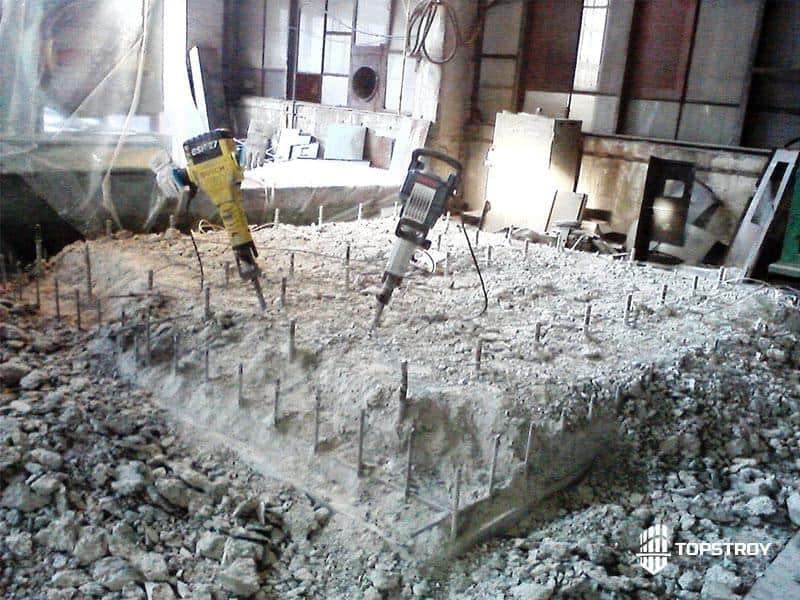 Демонтаж фундамента отбойным молотком