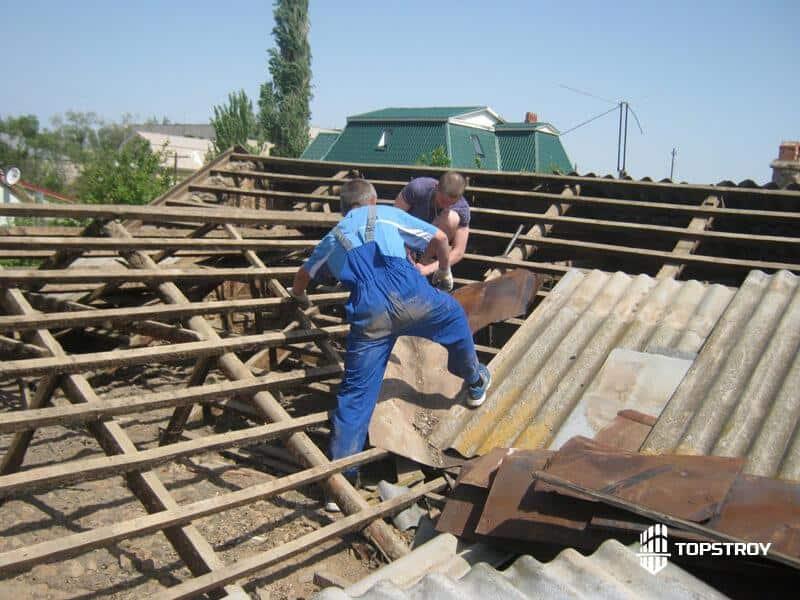 Процесс разборки крыши